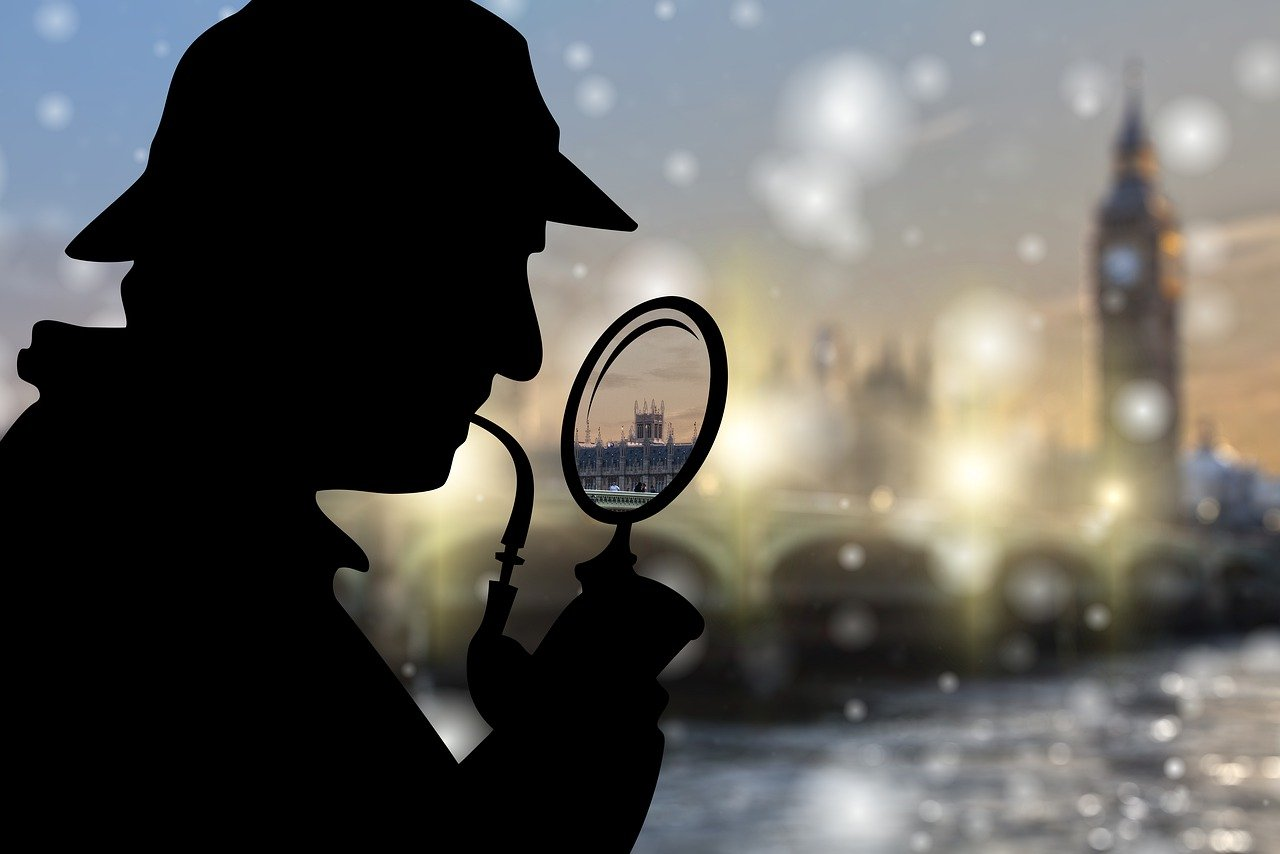 What can you learn from Sherlock Holmes to use in an escape room?