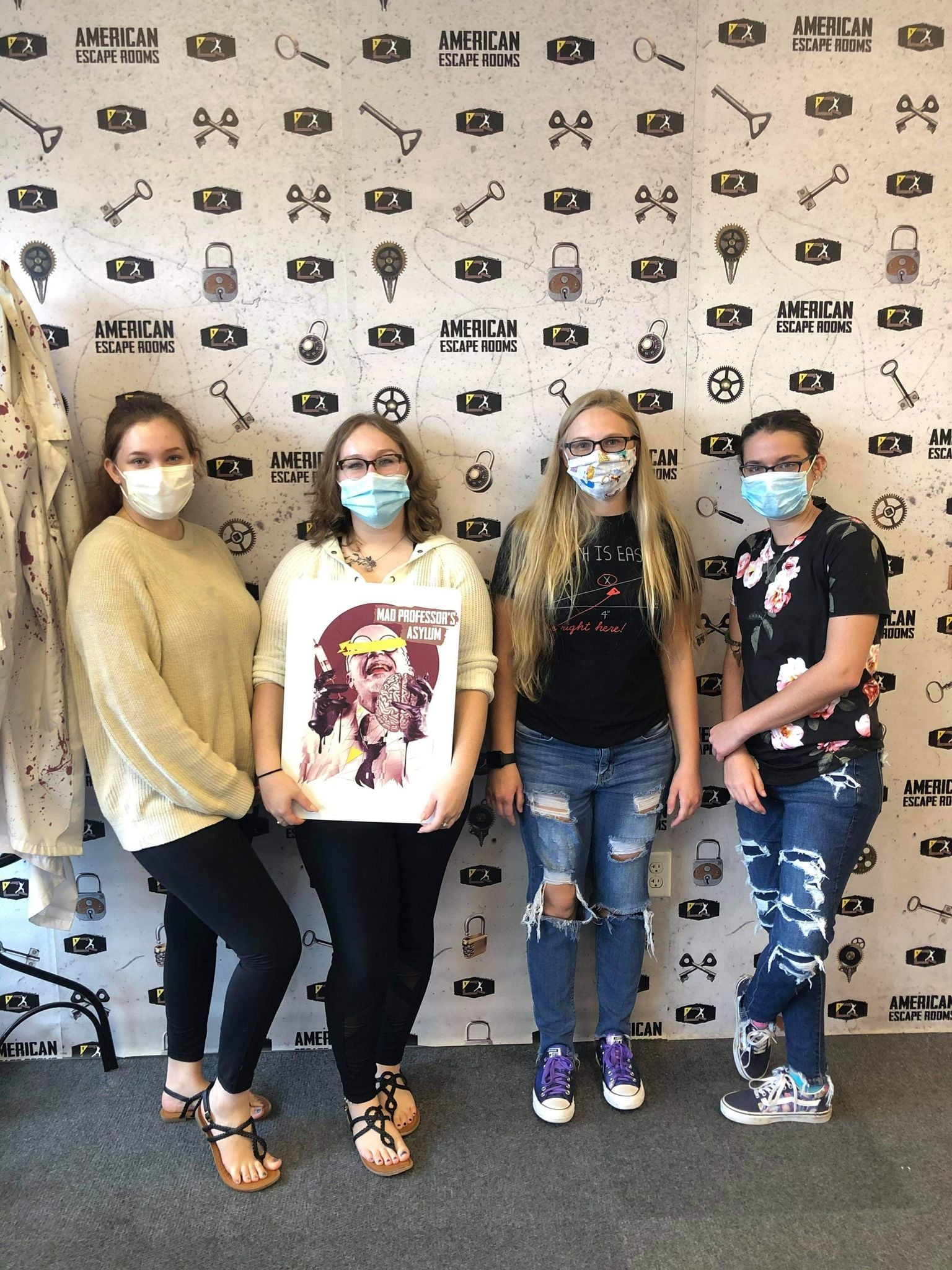 Team Winners played the Mad Professor's Asylum - Tampa and finished the game with 2 minutes 53 seconds left. Congratulations! Well done!