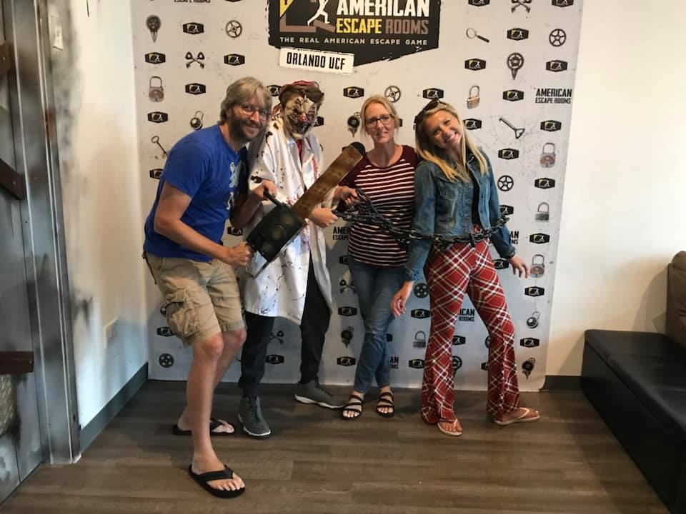 Team Mitchell played the Mad Professor's Asylum - Orlando and finished the game with 19 minutes 11 seconds left. Congratulations! Well done!