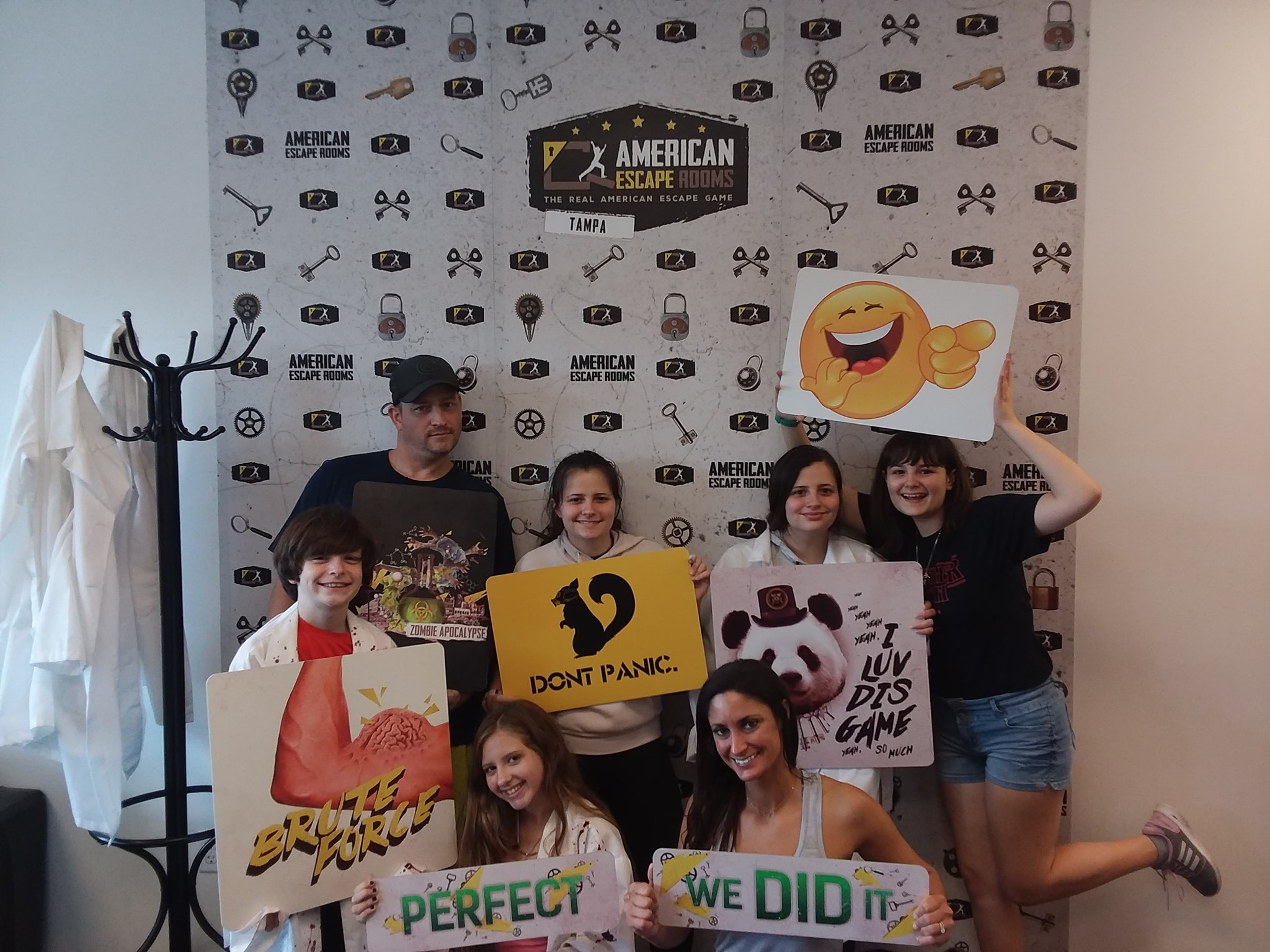 Xtreme Xcapists played the Zombie Apocalypse - Tampa and finished the game with 11 minutes 2 seconds left. Congratulations! Well done!